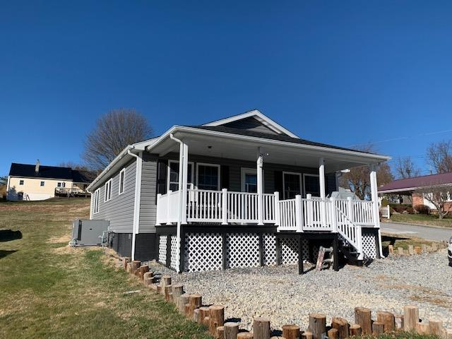BLOOD, SWEAT AND TEARS WENT INTO THE CONSTRUCTION OF THIS BEAUTIFUL HOME  IN THE TOWN OF WYTHEVILLE.  THIS 2 BEDROOM 2 BATH HOME HAS LARGE ROOMS, WALK IN CLOSETS, NEW APPLIANCES WITH A 5 YEAR WARRANTY, COVERED PORCH WITH 2 SWINGS.  MAKE YOUR APPOINTMENT TO SEE THIS ONE TODAY.