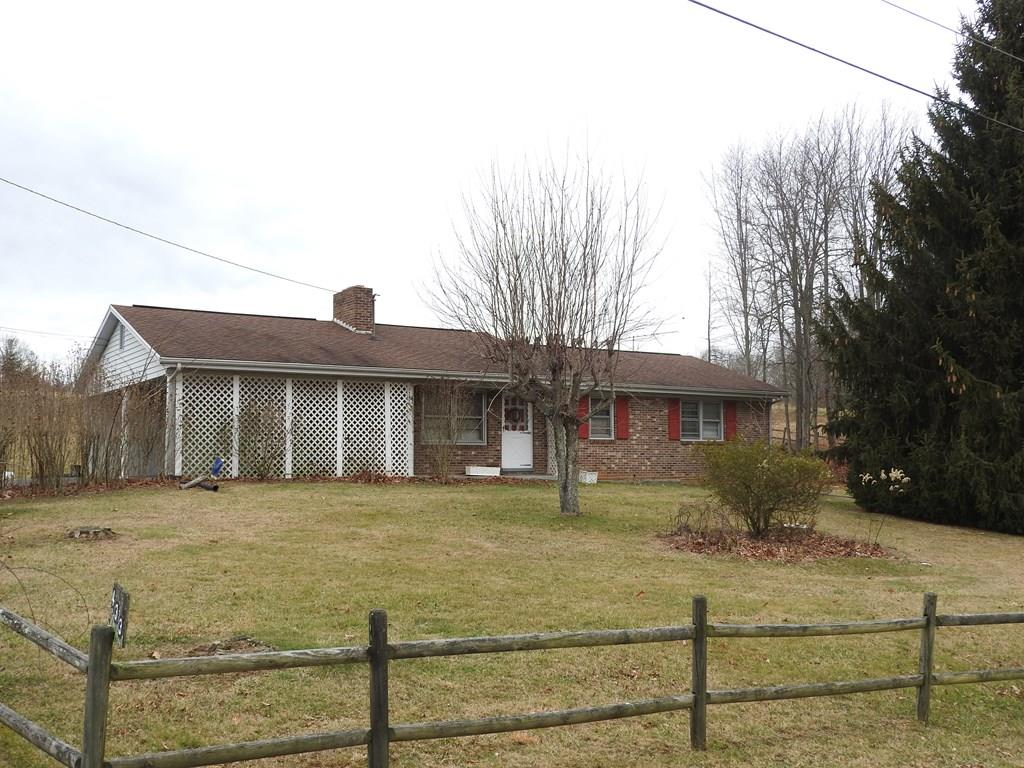 3 bedroom 1 1/2 bath brick ranch home in a nice neighborhood! Perfect starter home or one-level living with plenty of storage in the full basement. Just outside the city limits of Galax, you are only minutes from I-77 and all other amenities!