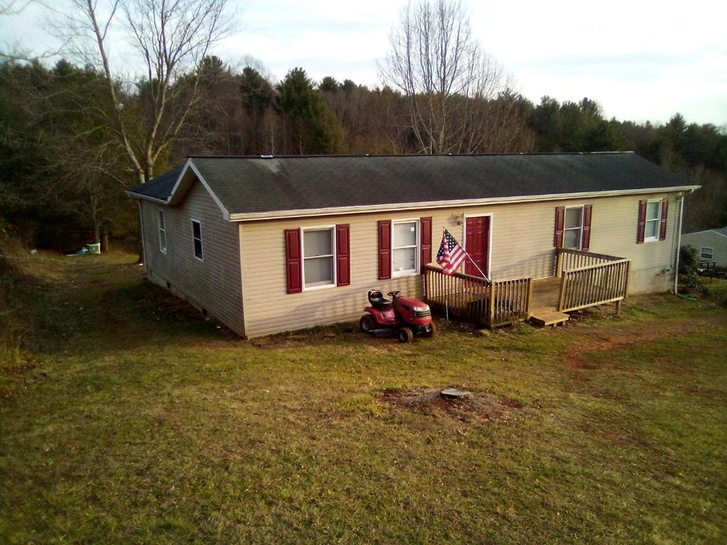 Nice 3 bedroom 2 bath home in the town of Hillsville! This affordable home features newer hardwood flooring with a heat pump and is in a great location . Close to schools, Dr.s offices, shopping and restaurants. Also close to I-77 and the Blue Ridge Parkway.