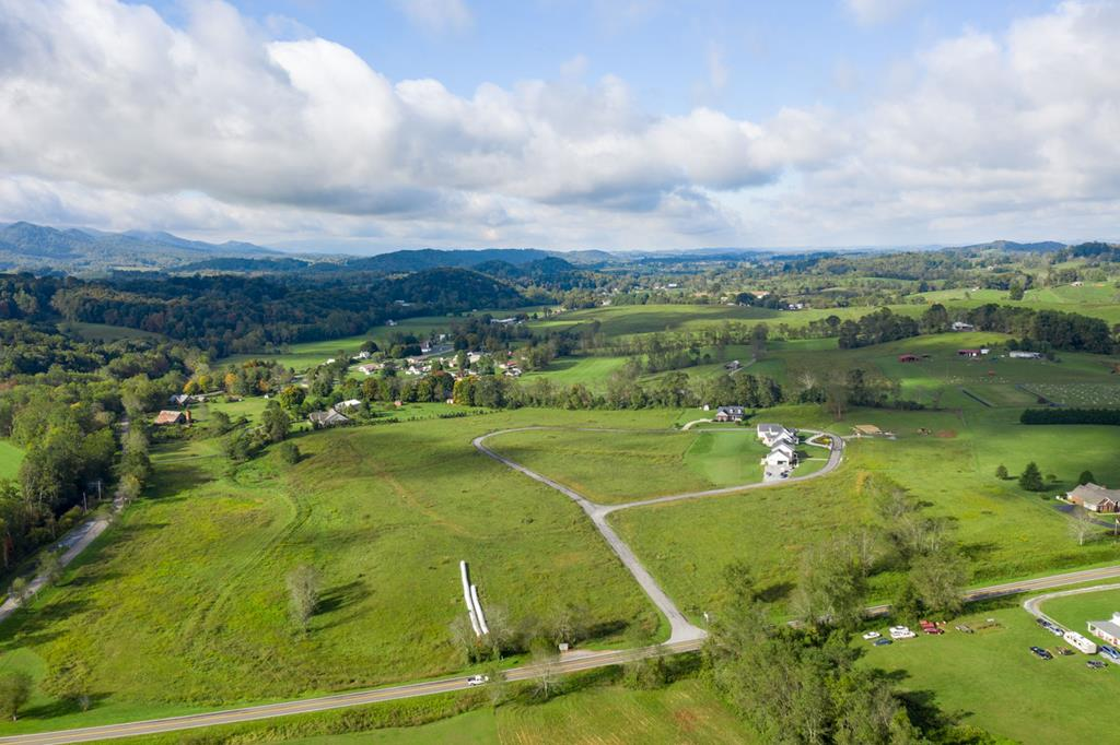 Beautiful lot on Loves Mill Road with water views and water access - STICK-BUILT HOMES AND MODULARS. UNDERGROUND UTILITIES, CABLE, PHONE, ELEC. OFF-FRAME MODULAR HOMES ALLOWED BUT MUST MEET CC&R'S. PERKED FOR 3 BR.