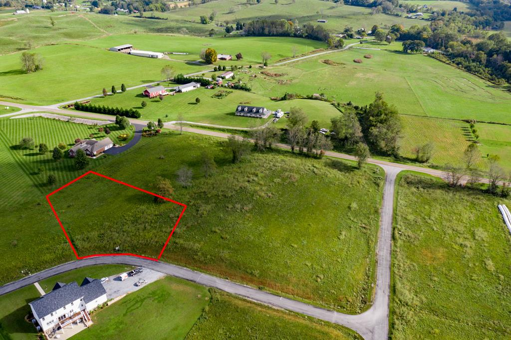 Beautiful lot with gorgeous views of White Top - STICK-BUILT HOMES AND MODULARS. UNDERGROUND UTILITIES, CABLE, PHONE, ELEC. OFF-FRAME MODULAR HOMES ALLOWED BUT MUST MEET CC&R'S. PERKED FOR 3 BR