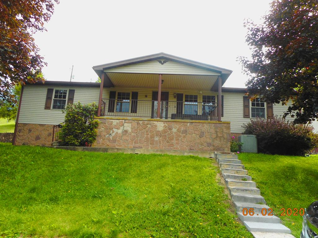 Great location, hardwood floors three bedrooms two full baths, a must see...great starter home or investment. Owner Agent