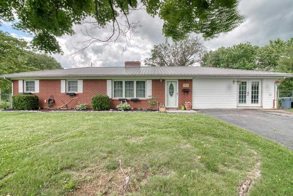 Check out this charming brick home, move-in ready and next to Holston High School! Situated in a quite neighborhood close to town and minutes from I-81 in Abingdon or Glade Springs!