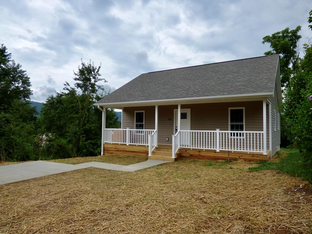 Cute as a button new construction home ready for its new owner.  This one level two bedroom one bath home has many high-end features.  Call today to see this one.