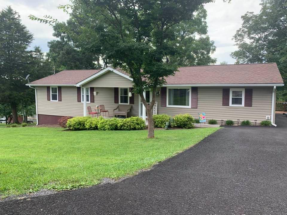 Completely remodeled in 2012. Spacious and charming home with an open one-level floor plan. Ready to move into! Nice yard.