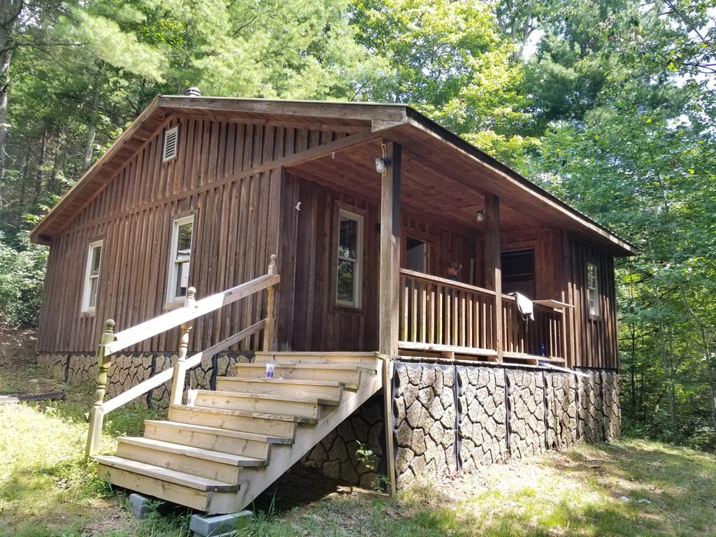 Private 22 acres that joins the National Forest in Elk Creek. Works great as a hunting property with a hunting cabin and deer stand or a for a weekend get-away. Enjoy being in the mountains of Grayson County with Independence or Wytheville a short drive away for shopping and restaurants.