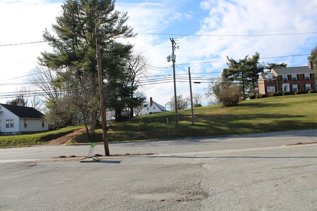 Nice level building lot in Hillsville. Town water and sewer available. Lot is .4 +/- acres. Purchaser to verify the town of Hillsville restrictions if any.