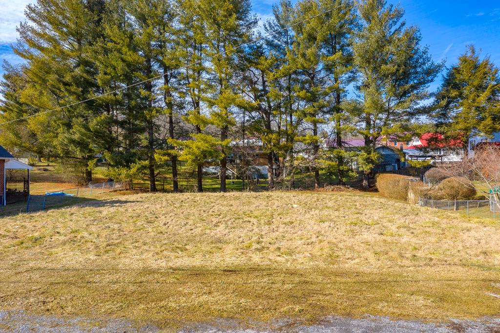 Excellent building lot in marion. Quick access to route 11 and I 81. Suitable for single-family or some multi-family. Great price, great location.