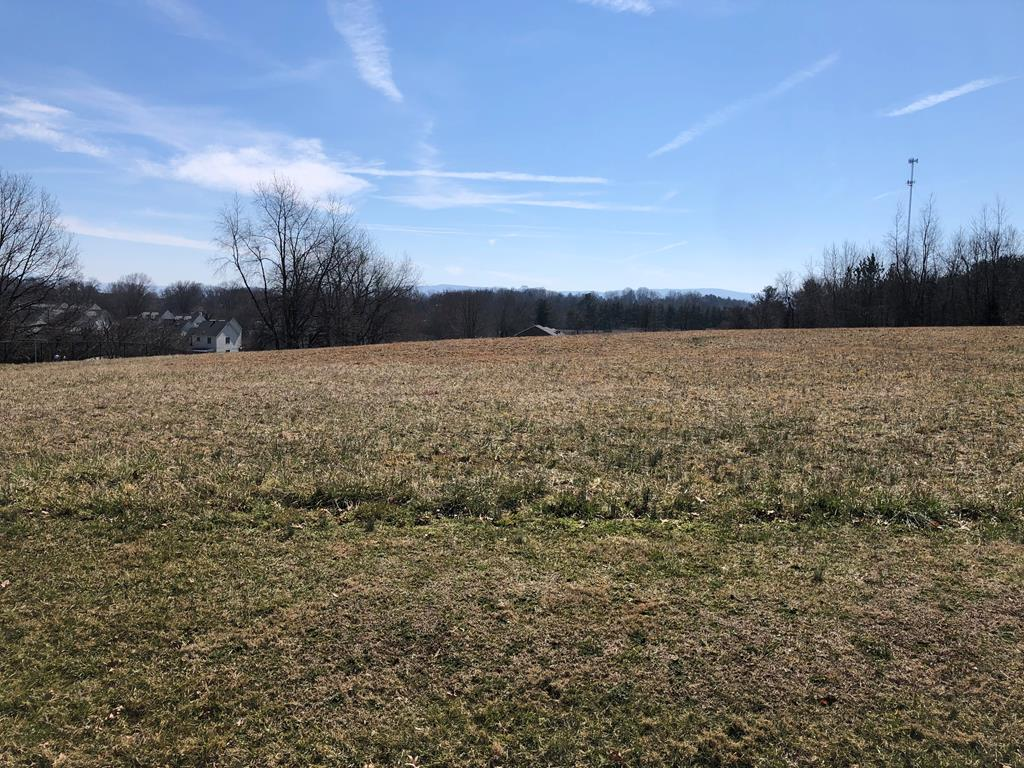 Build your DREAM HOME!  This lot sits in the Town of Abingdon at the end of a cul-de-sac street just a hop and a skip from the Coomes Recreation Center.  This 1.14 acre lot has beautiful views of White Top Mountain and is mostly flat and ready to build!