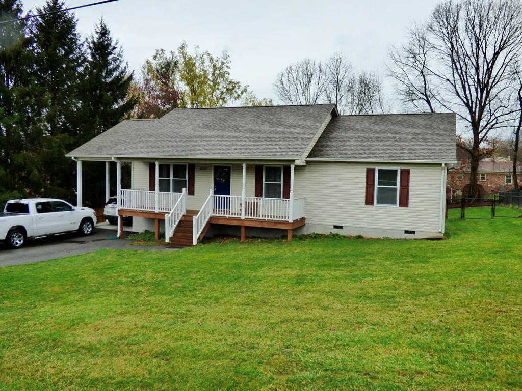 Beautiful 3 bed 2 bath home in Dublin. This home was built in 2017 and is ready for its new owners. This home has been well cared for and has all the updates anyone would need. Fenced in back yard, great neighborhood, close to schools and shopping!