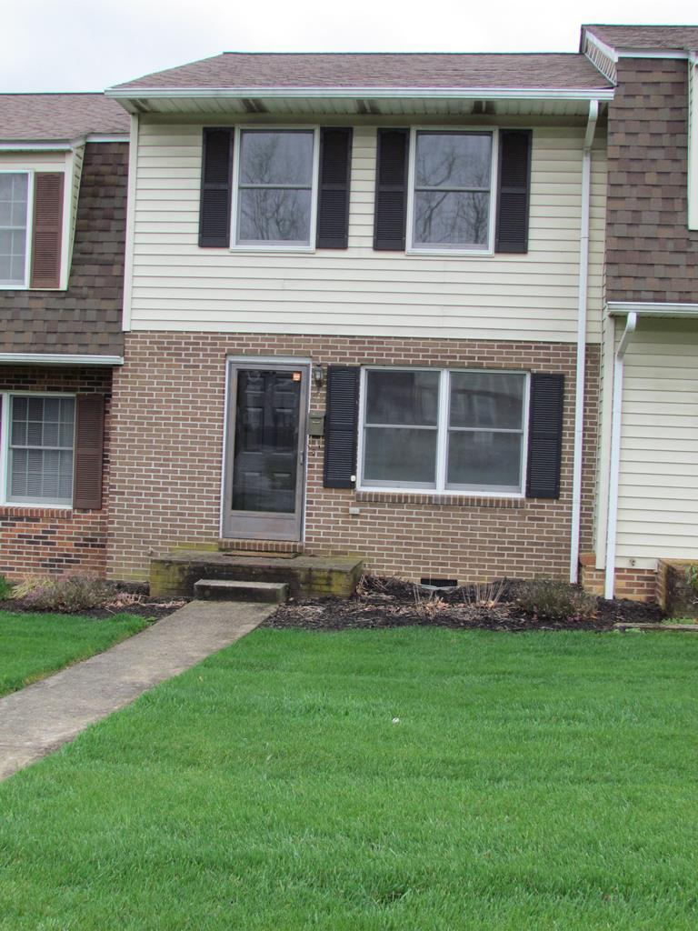 Come take a look at this 2 bed, 1.5 bath townhouse. Conveniently located near schools, shopping, and the hospital. This would be a great starter home or investment property. The heat pump is approximately 4 years old. New roof in 2015. Come see this one today!