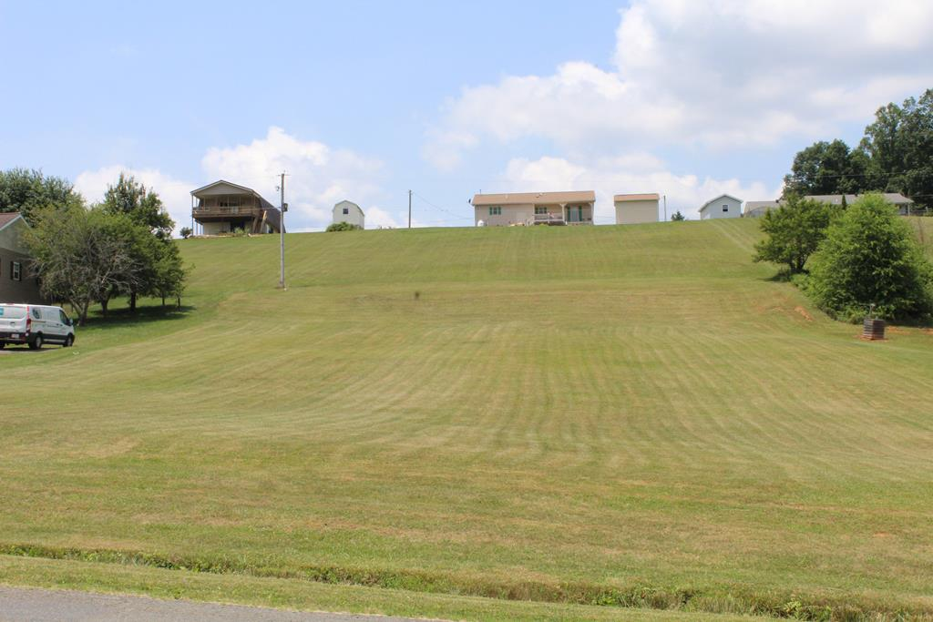 Located in a very desirable subdivision,  Alpine Crest, this lot is nearly level and completely cleared.  There are long range views from this property! Alpine Crest is a well established subdivision with protective covenants in place.  There is no HOA fee, but there is a $50 annual fee which provides use of the community fishing lake and pavilion.