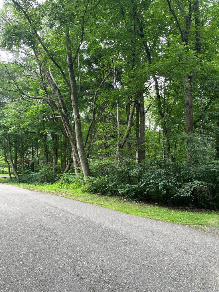 Beautiful building lot in the extremely desirable Riverview subdivision. Call today!