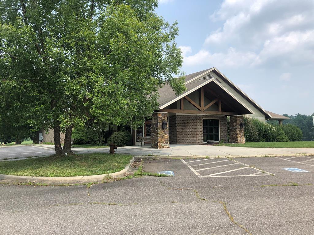 103 Country Club Lane, Galax, VA 24333