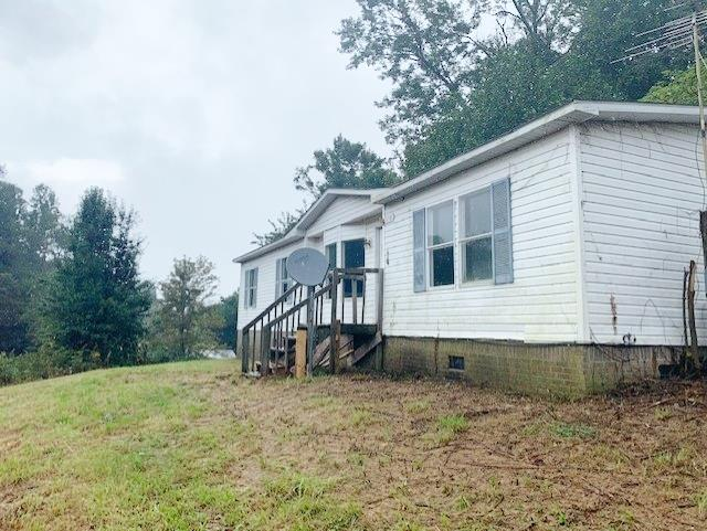 3 Bedroom, 2 Bath, 1444 sq. ft. home located in the popular Fancy Gap area of beautiful Carroll County. Property features Fireplace, Den/Family Room, Heat Pump and much more. Property located just minutes from the Blue Ridge Parkway!!