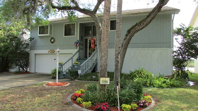 323 Palm Dr, Flagler Beach, FL 32136