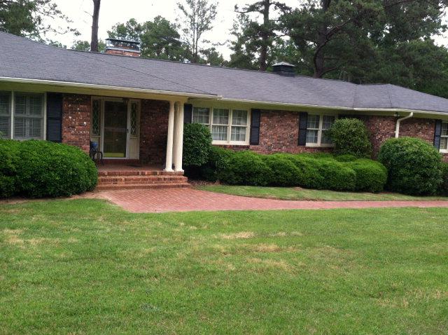 106 Rutledge Rd, Greenwood, SC 29646