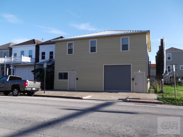 House for sale at 1821 Market Street in Galveston TX