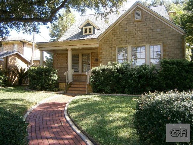 16 Cedar Lawn Circle, Galveston, TX 77550