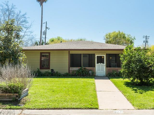 127 Albacore Avenue, Galveston, TX 77550