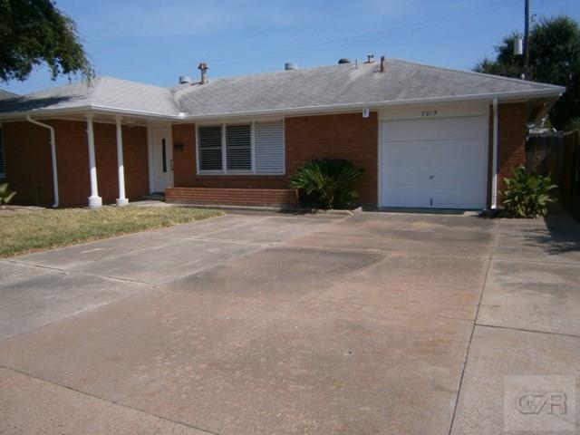7013 Poplar Drive, Galveston, TX 77551