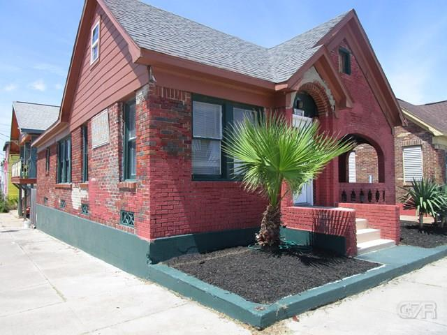 1828 Bernardo de Galvez, Galveston, TX 77550