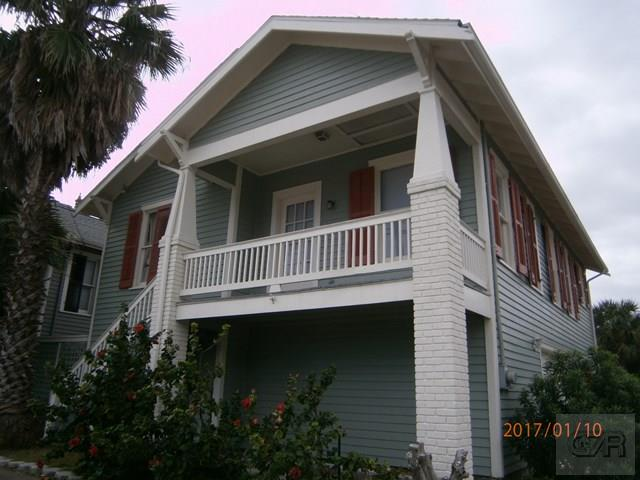House for sale at 903 14th Street in Galveston TX