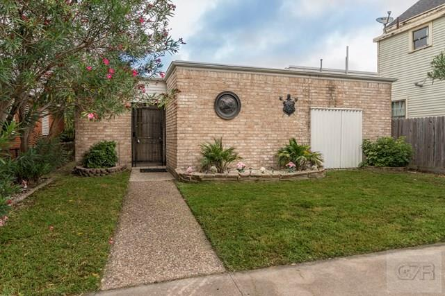 House for sale at 2106 Ave L in Galveston TX