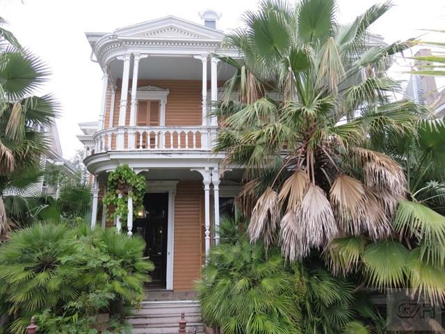 House for sale at 1814 Sealy Street in Galveston TX
