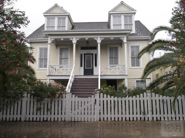 House for sale at 3216 Ave N in Galveston TX