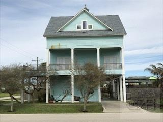 House for sale at 335 Ridgeway in Crystal Beach TX