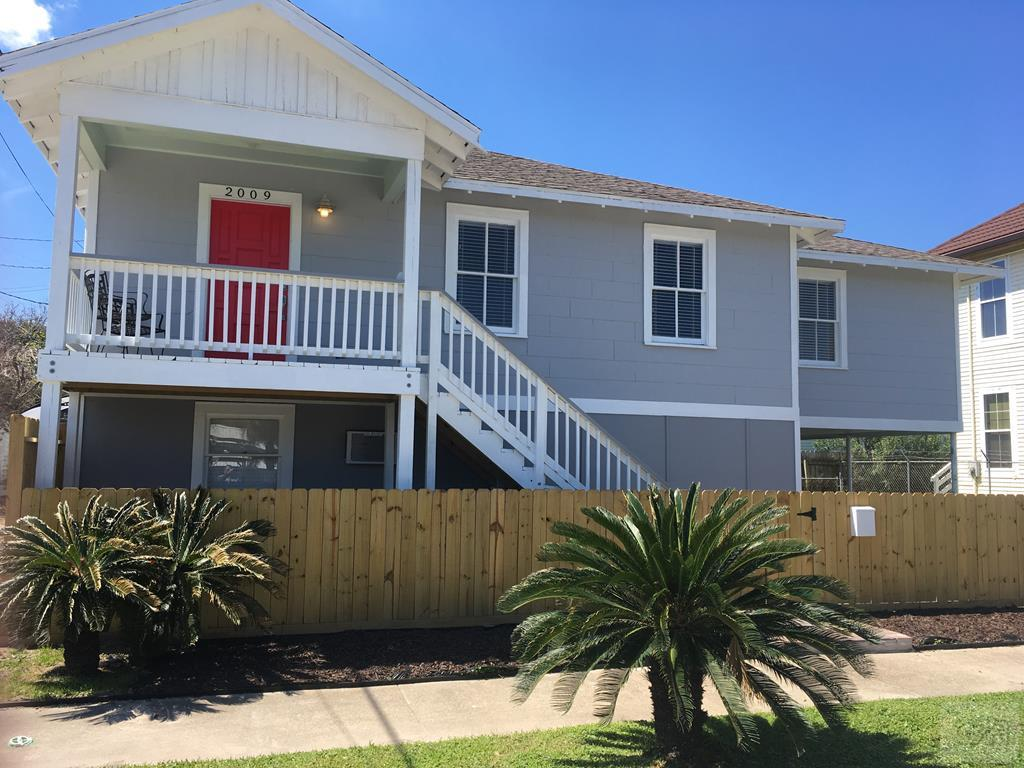 House for sale at 2009 30th in Galveston TX