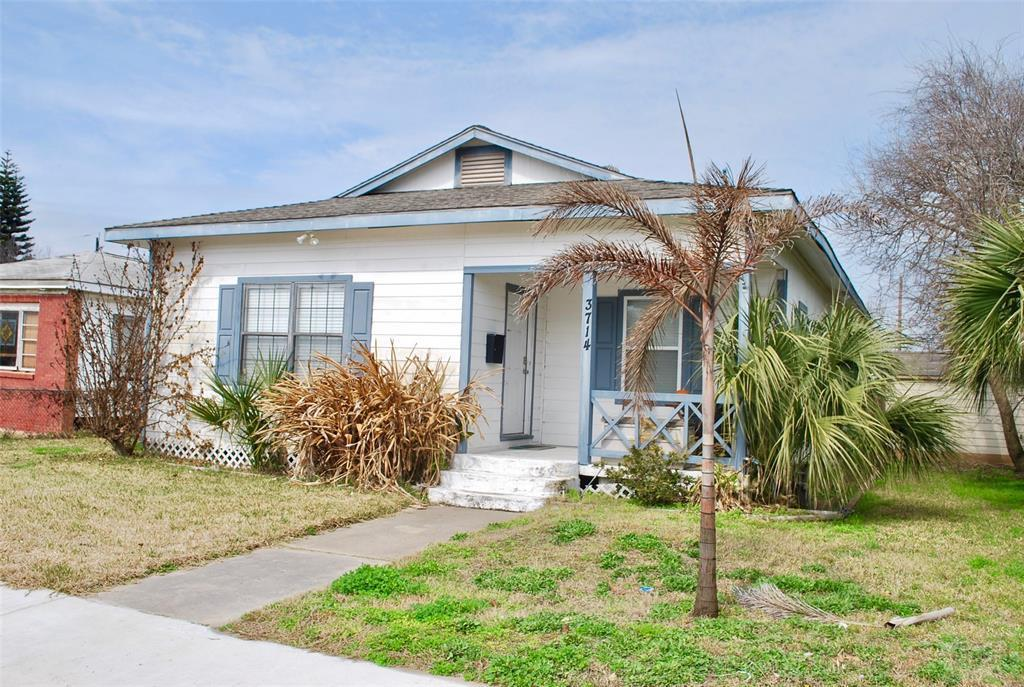 House for sale at 3714 Ave S 1/2 in Galveston TX