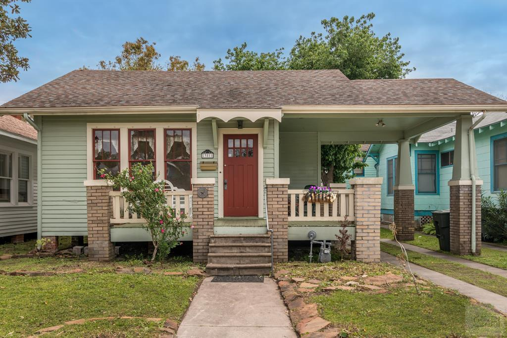 House for sale at 3811 Ave O 1/2 in Galveston TX