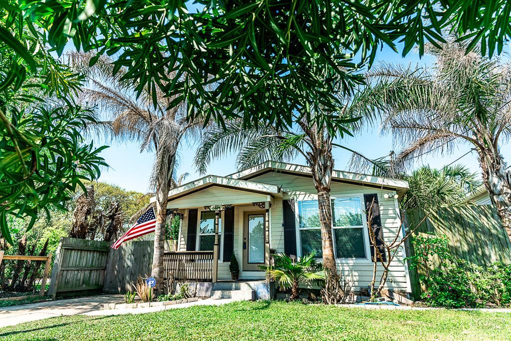 House for sale at 5814 Ave T in Galveston TX