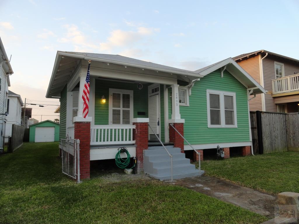 House for sale at 2805 P 1/2 in Galveston TX