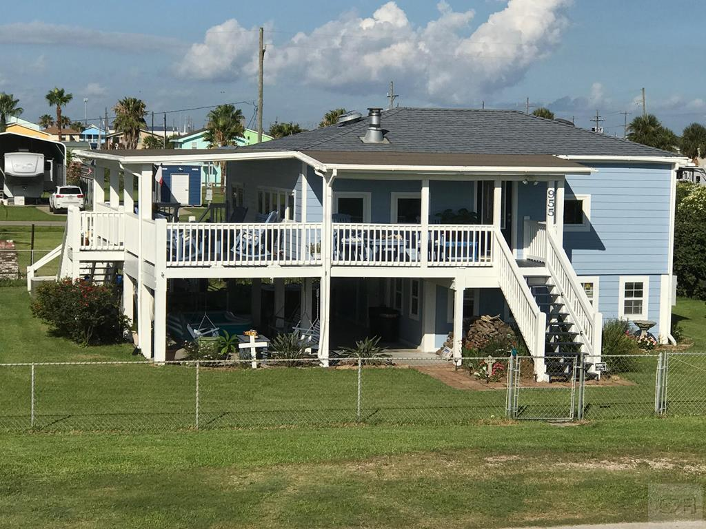 House for sale at 955 West Lane in Crystal Beach TX