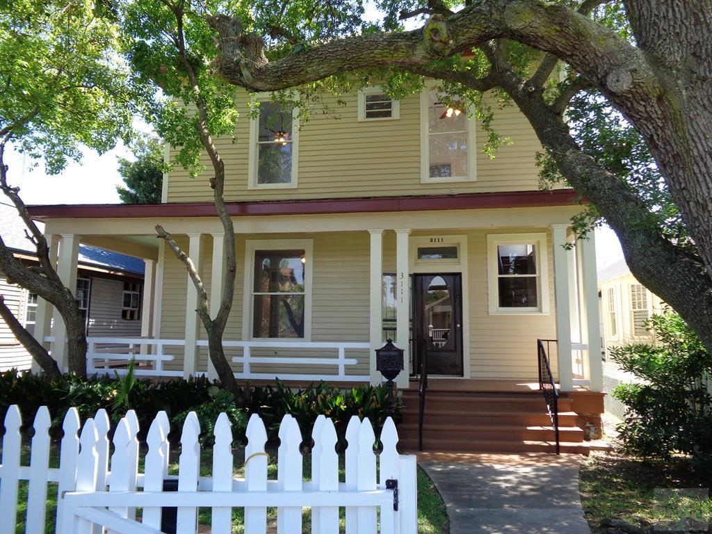 House for sale at 3111 Ave R in Galveston TX