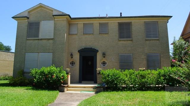 House for sale at 36 Cedar Lawn Circle in Galveston TX