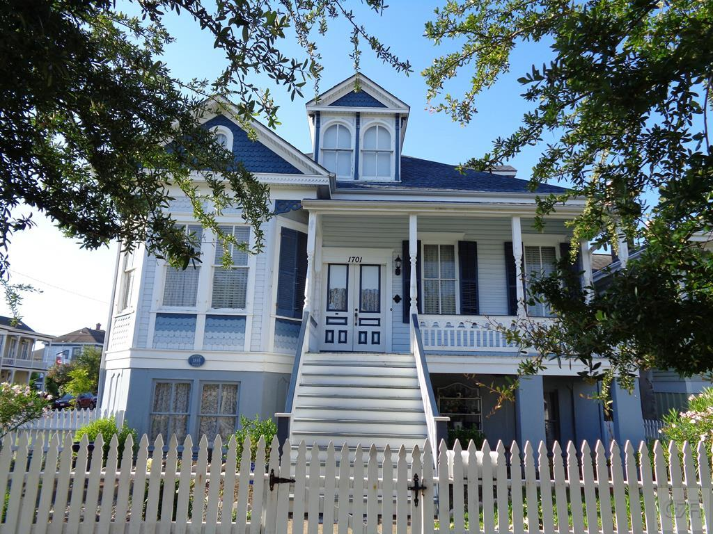 House for sale at 1701 Winnie Street in Galveston TX