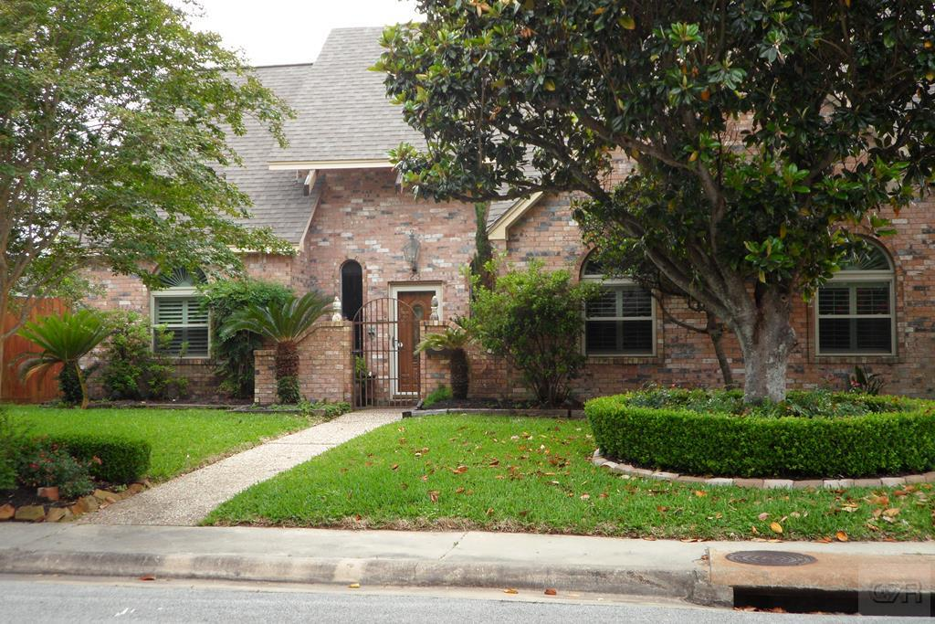 House for sale at 23 Lebrun Court in Galveston TX