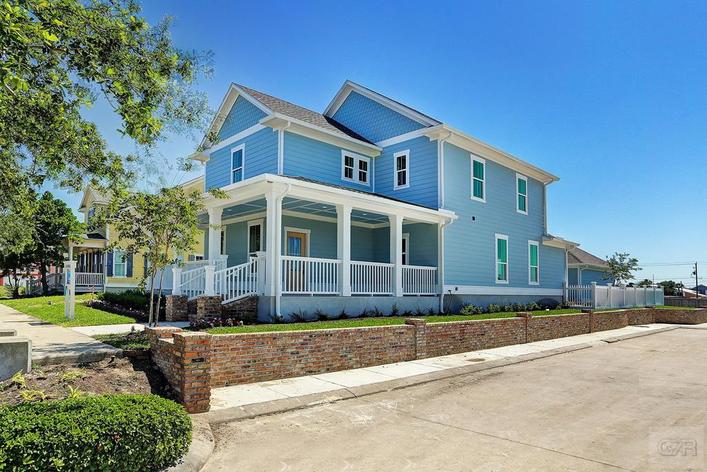 House for sale at 6 Caravelle Court in Galveston TX