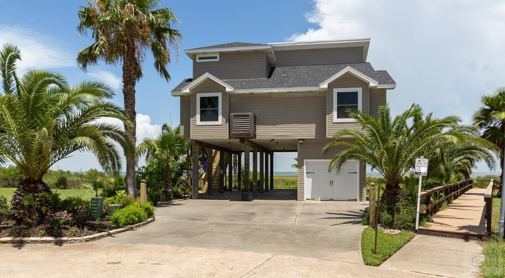 House for sale at 22314 Bay Vista in Galveston TX