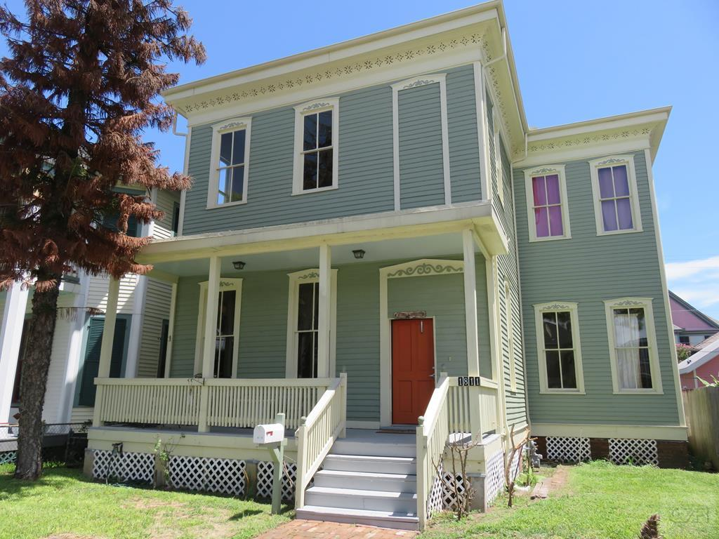 House for sale at 1811 Church Street in Galveston TX