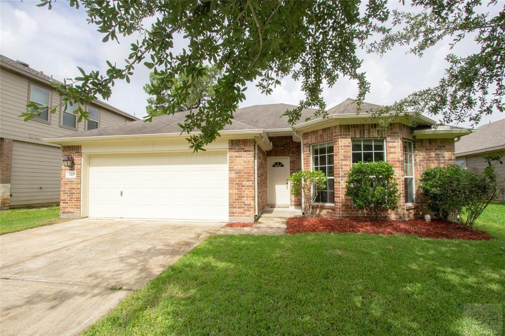 House for sale at 4205 Country Club Drive in DICKINSON TX