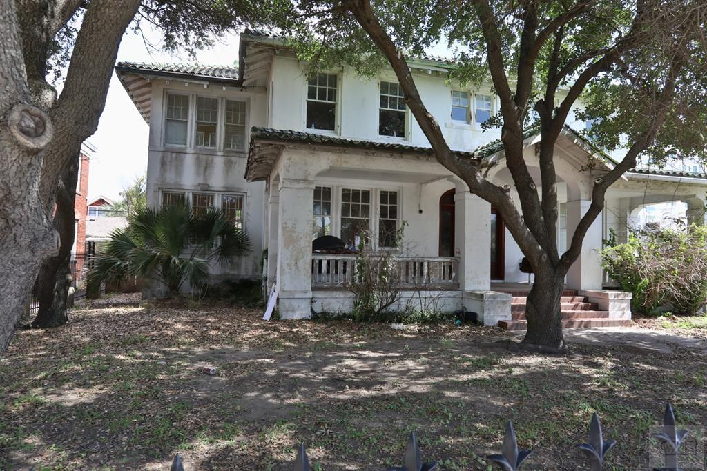 House for sale at 704 Broadway Street in Galveston TX
