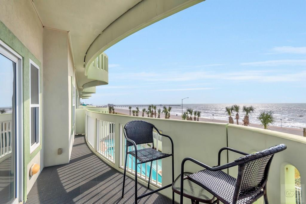 House for sale at 9420 Seawall Blvd in Galveston TX