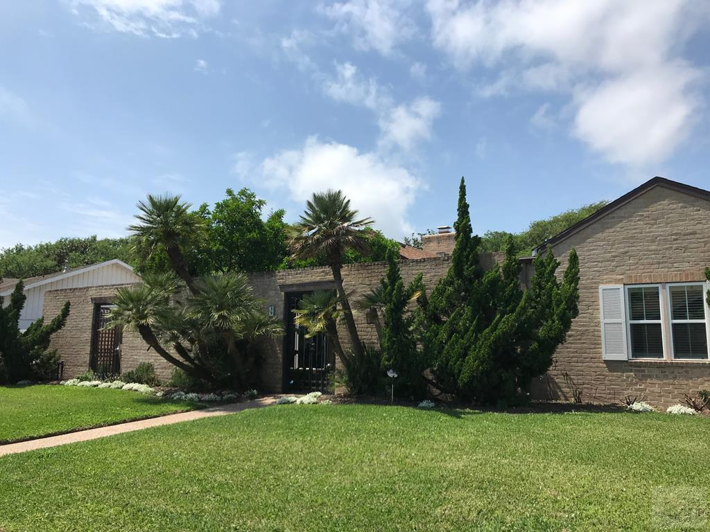 House for sale at 39 Colony Park Circle in Galveston TX