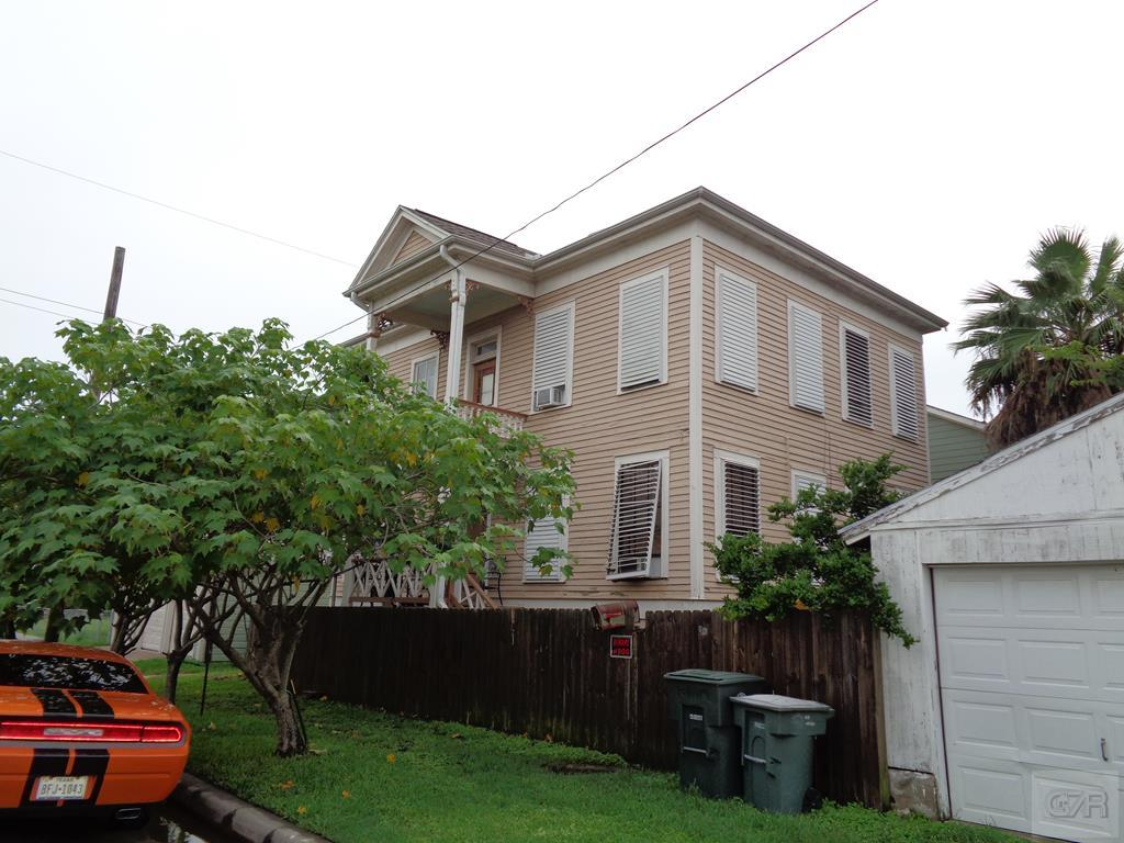 House for sale at 309 17th Street in Galveston TX