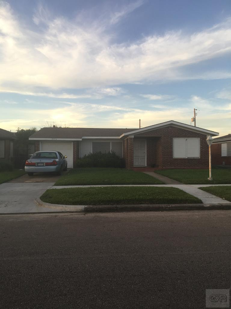 House for sale at 5124 Ave L in Galveston TX